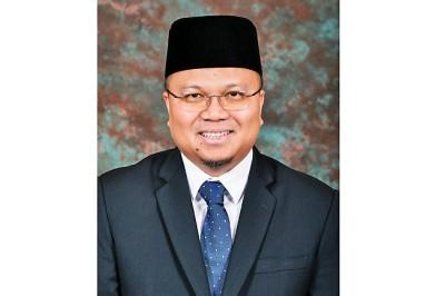 MENTERI Kesihatan, Yang Berhormat Dato Paduka Dr Haji Md Isham bin Jaafar.